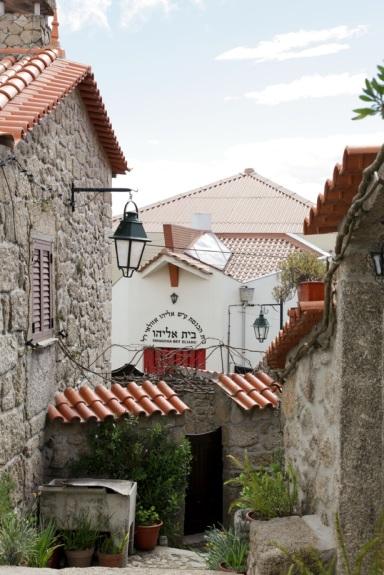 Blick auf die Synagoge von Belmonte.
